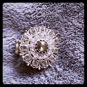 Oversized ring